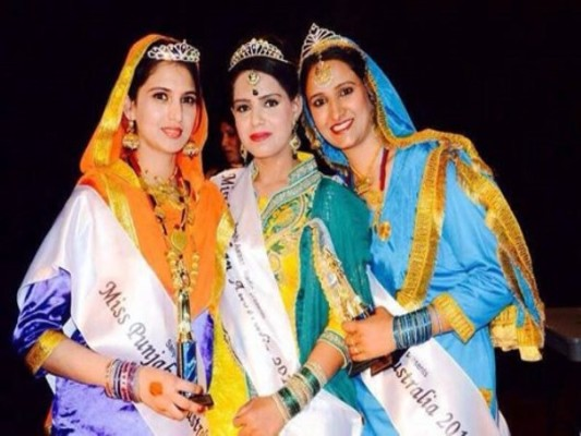 Punjabi women take to the stage 'Punjabi culture'