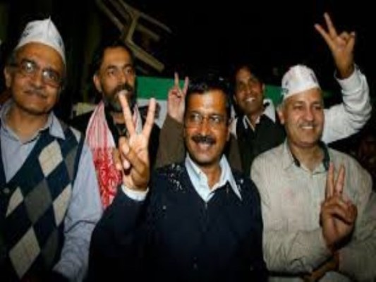 AAP sweeps Delhi, Kejriwal to take oath on February 14, 2015